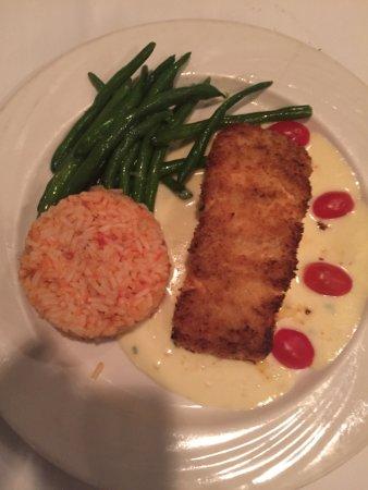 Montvale, نيو جيرسي: Calamari, eggplant, seafood salad, mustard salmon.....