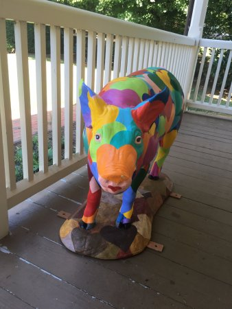 Hillsborough, NC: He welcomes you to the visitor center