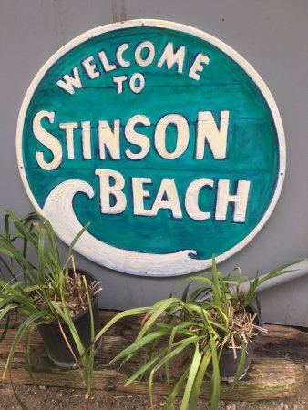 Stinson Beach, Californien: Colourful sign