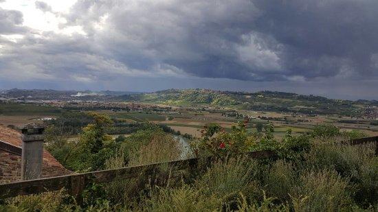 Barbaresco, Italia: photo0.jpg