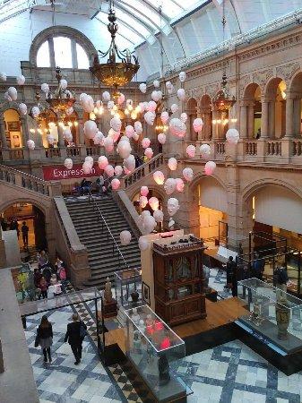 Kelvingrove Art Gallery and Museum: Hall of heads