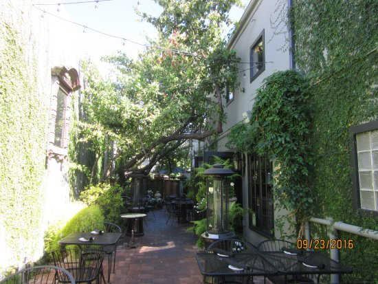 Redwood City, CA: The side entrance to the Resaurant