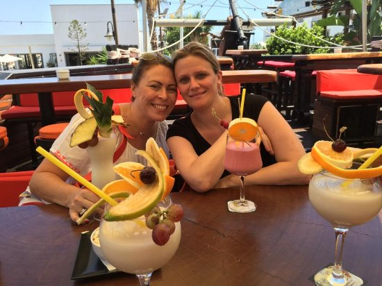 Puerto Banus, Spanje: 2 Banana Dreams, 1 Pina Colada and 1 Strawberry Daiquiri.