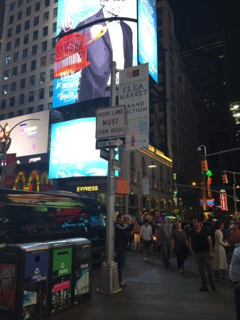 Times Square: photo1.jpg