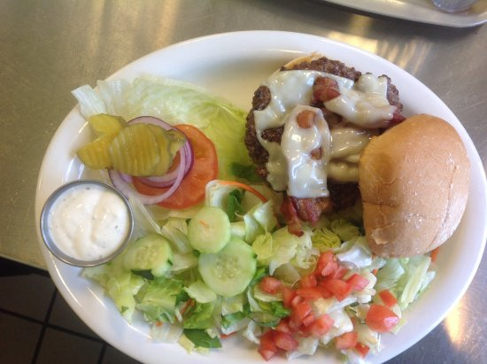 Midvale, UT: Bacon Cheeseburger with salad