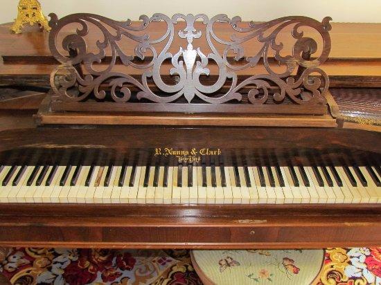 Athens, GA: Old Piano
