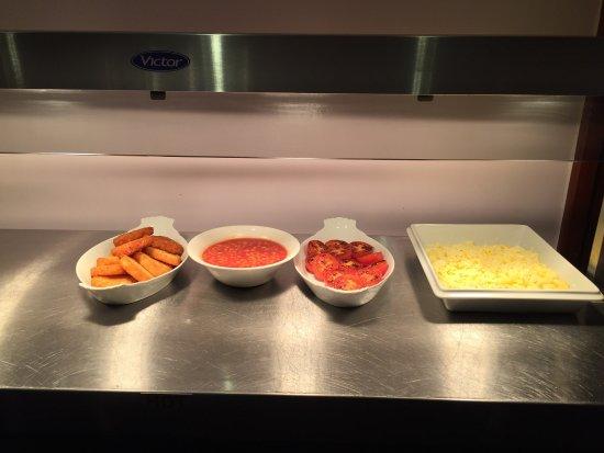 Hayes, UK: Dining area :) ... bofore breakfast