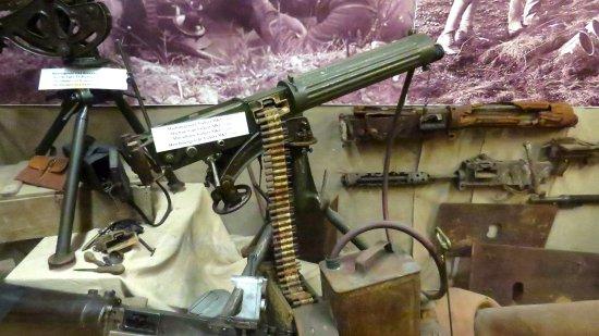 Hooge Crater museum: Machine Gun