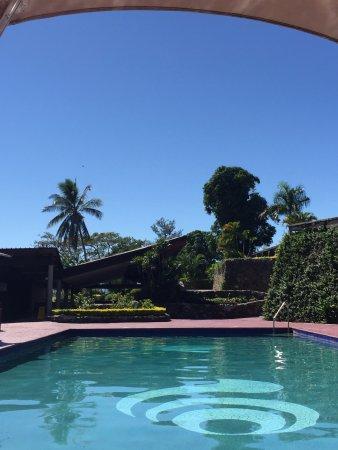Novotel Nadi: Refreshing pool area