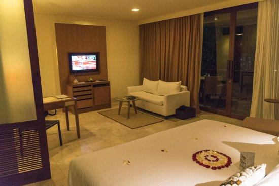 Komaneka at Rasa Sayang: Lounge area of room