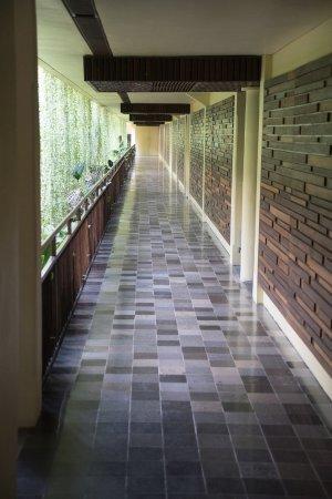 Komaneka at Rasa Sayang: Walkway to room