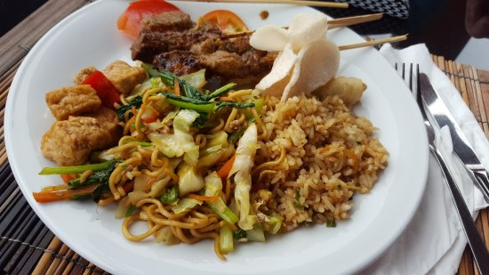 Pacung Indah Hotel & Restaurant: Selection of food