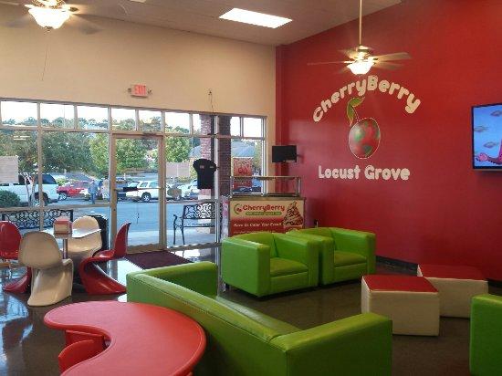 Locust Grove, GA: CherryBerry