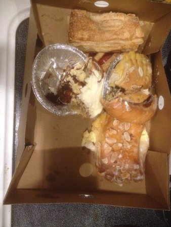Lynden, WA: Strudel/cinnamon rolls/almond paste-sorry, that's all I had left when I remembered!