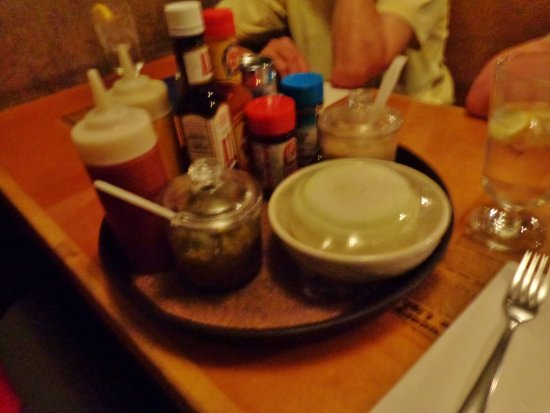 Fischers Happy Hour Tavern : The Condiment tray!