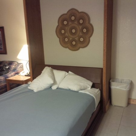 """Inn at Silver Creek : """"One bedroom"""" w/kitchen includes a Murphy Bed ONLY"""