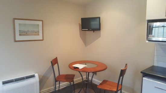 Wellington City Cottages: Dinning Area