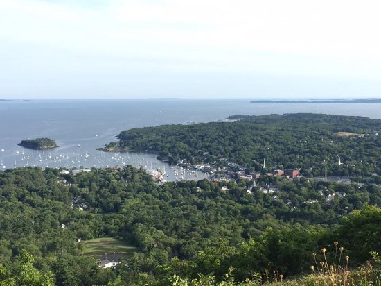 ‪‪Camden‬, ‪Maine‬: View of Camden and Penobscot Bay from Mount Battie‬