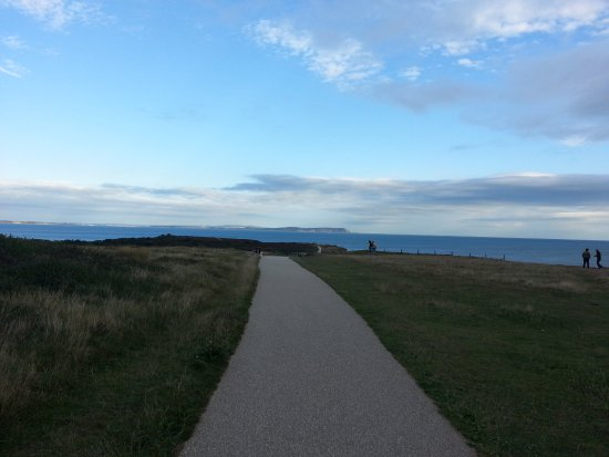Hengistbury Head: well maintained paths
