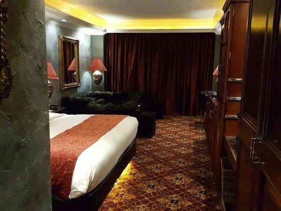 ABC Hotel: 20160923_020850_large.jpg