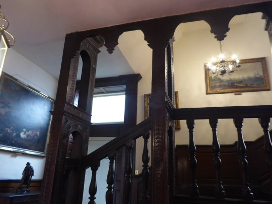 Burton Agnes, UK: The unusual newell staircase