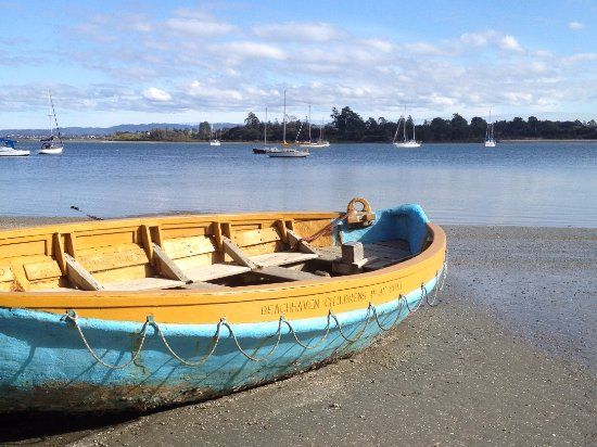 Beach Haven, New Zealand: Nearby Larkin's Landing, Beachhaven on Aucklands upper harbour