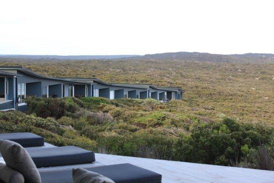 เซาเทิร์น โอเชี่ยน ลอดจ์: Each room has ocean views but is private (no blinds needed)