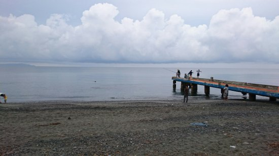 Aroma Beach: Grey sand beach