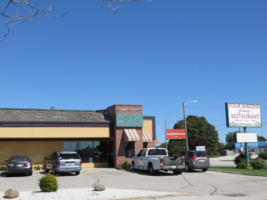 Manitowoc, WI : Four Seasons Family Restaurant