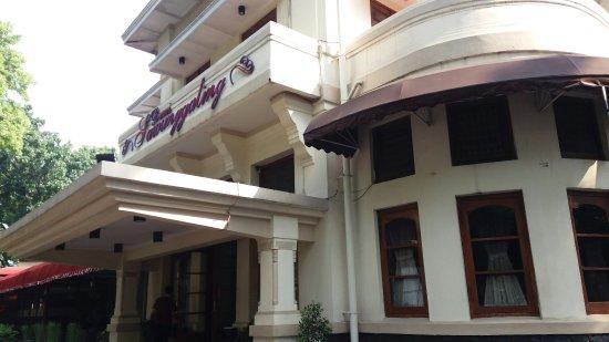 Hotel Bumi Sawunggaling: 20160912_151148_large.jpg