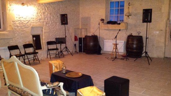 Asnieres-la-Giraud, ฝรั่งเศส: Salle commune