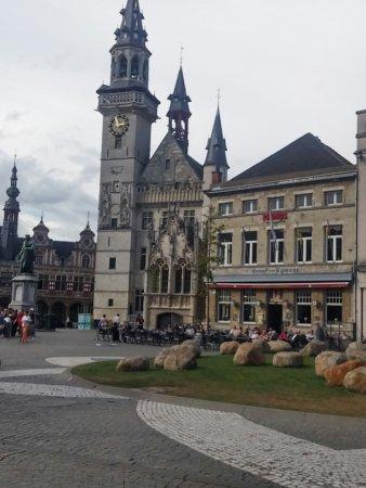 Aalst, België: Grote markt