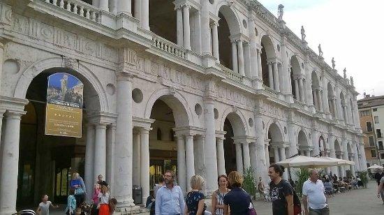 ingresso alla Terrazza di Vicenza - Picture of Basilica Palladiana ...