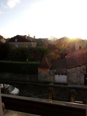 Monpazier, Francia: From 2015, early morning view over the village