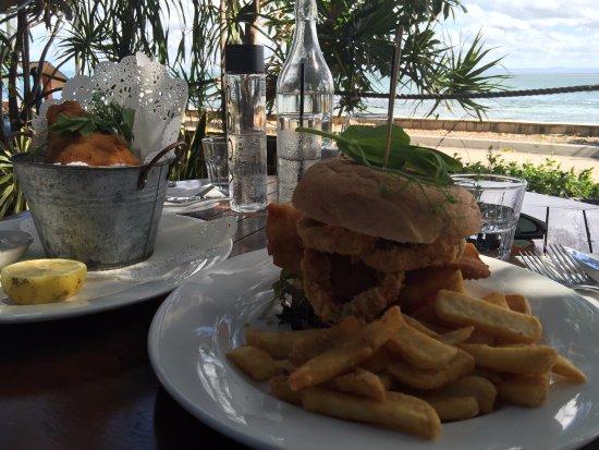 Остров Бриби, Австралия: Barramundi Burger