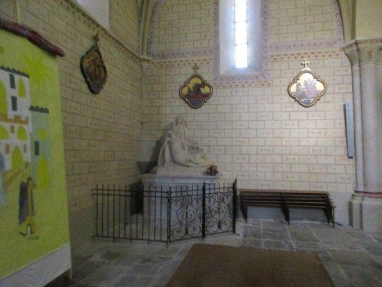 Sauveterre-de-Bearn, France : Église Saint-André