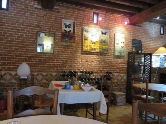 Arques-La-Bataille, France : Salle du petit déjeuner