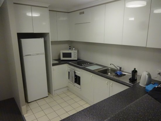 balcony - Picture of Adina Serviced Apartments Canberra ...