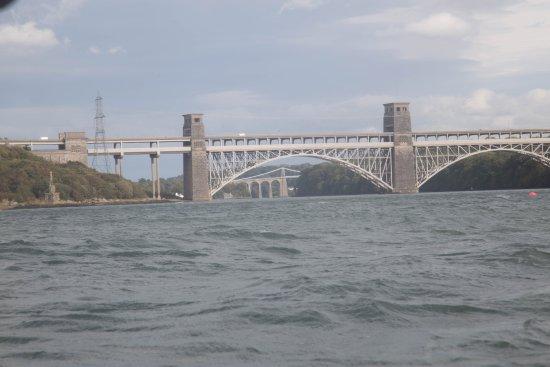 Menai Bridge 이미지