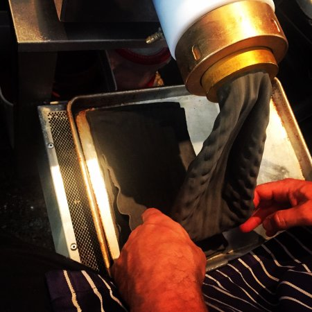 Brunswick Heads, Australien: House Cronuts~ Squid Ink Tortellini Pasta~ Muffins~ Arancini w~ Duck Eggs