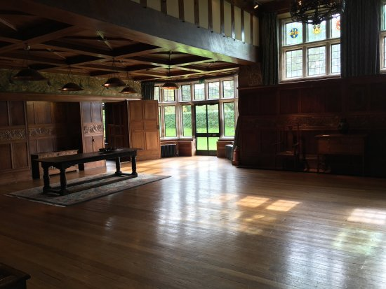 Bowness-on-Windermere, UK: Photo of Blackwell Arts and Craft House Main Hall