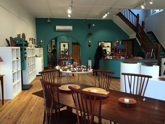 Youngs Siding, Australia: What a beautiful space this is and such wonderfully crafted pieces, definitely worth a visit.