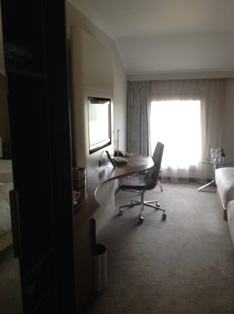 Hilton London Heathrow Airport Photo