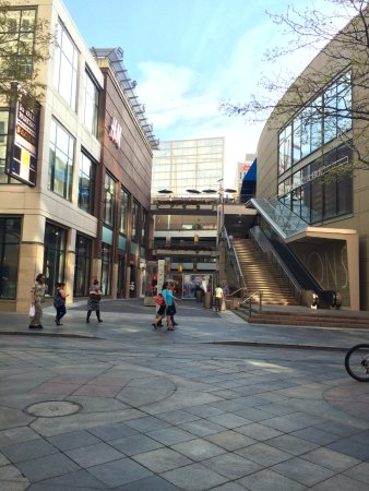 16th Street Mall: The shopping