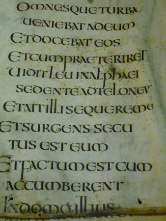 Avranches, Francia: Rare Evangéliaire en écriture onciale, Irlande, VIIIè siècle.