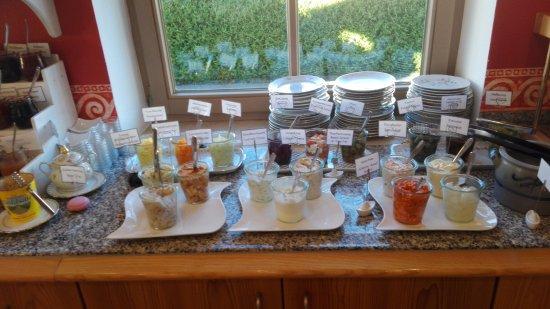 لاندهوتل جوجلهوبف: amazing breakfast