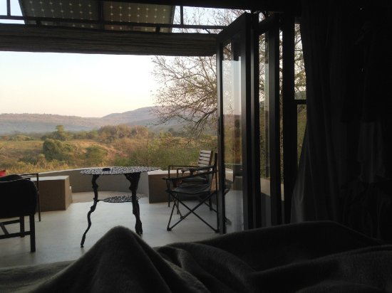 Hluhluwe Game Reserve, Νότια Αφρική: Theexpansive view from the bed