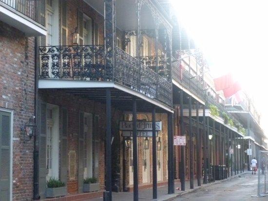 Place d'Armes Hotel: Entrance