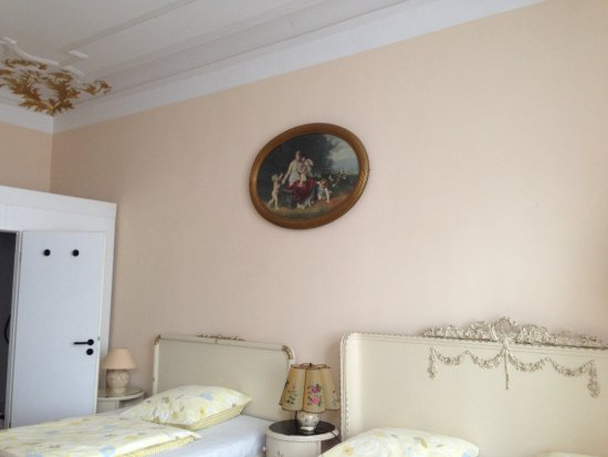 Hotel Gunia : triple and or quadruple room
