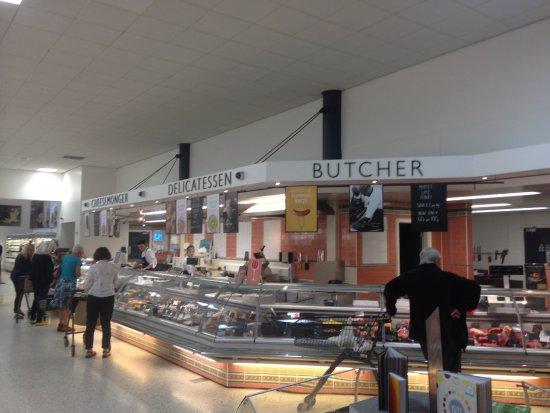 Илкли, UK: BOOTHS ILKLEY-FRESH MEAT